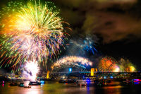 FW105 Fireworks, Sydney Harbour, New Years Eve