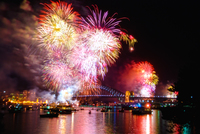 FW108 Fireworks, Sydney Harbour, New Years Eve