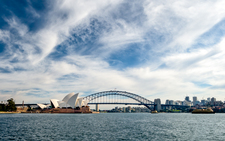 SH105 Sydney Opera House & Harbour Bridge