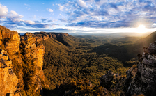 BM342 Megalong Valley with Boar's Head Rock & Narrow Neck